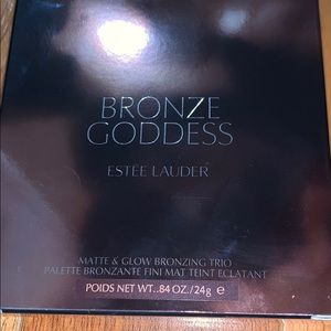 Limited edition bronze goddess bronzer